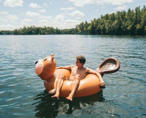 rent a floatie